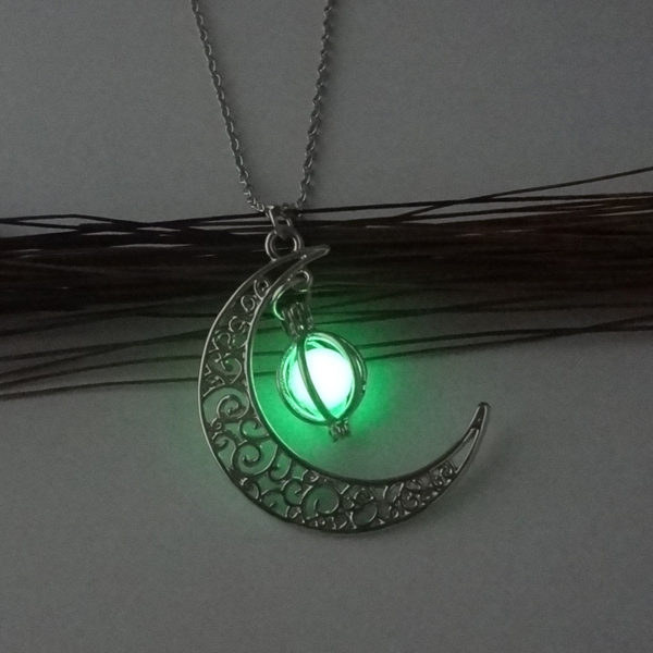 Fashion-Women-s-stone-shine-moon-Charm-Luminous-Stone-necklaces-Pendants-fashion-wholesale-jewelry-Statement-Necklace (1)