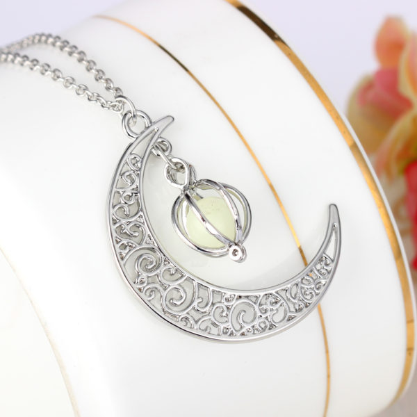 Fashion-Women-s-stone-shine-moon-Charm-Luminous-Stone-necklaces-Pendants-fashion-wholesale-jewelry-Statement-Necklace (2)